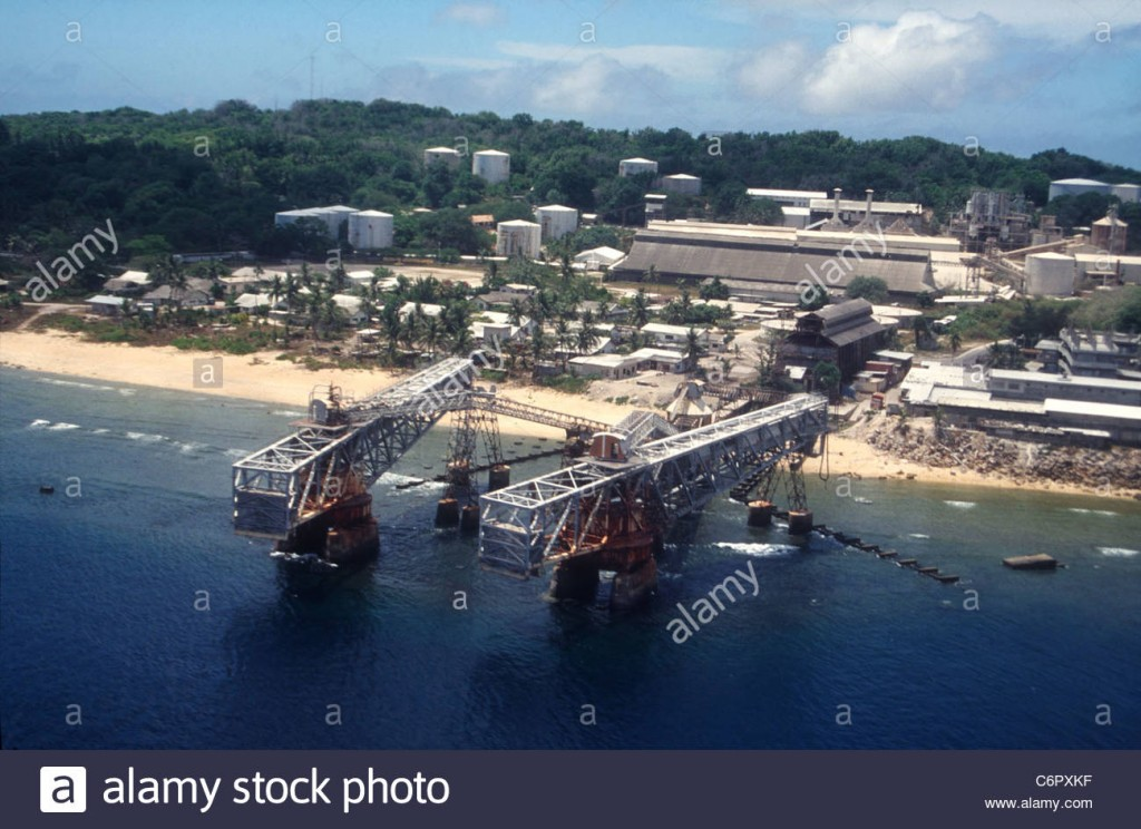 phosphate-loading-cantilevers-on-the-island-republic-of-nauru-central-C6PXKF