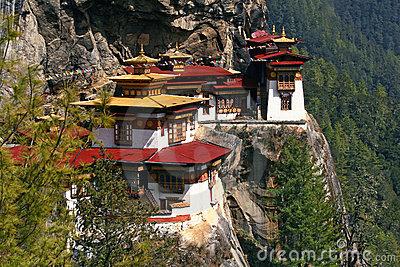 taktshang-monastery-tiger-s-nest-bhutan-16978692