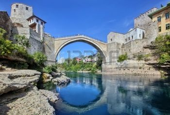 17189132-the-old-bridge-mostar-bosnia-herzegovina