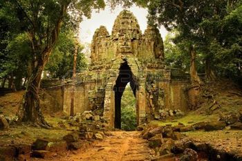 3048950-west-gate-to-angkor-thom-cambodia