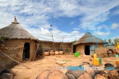 african-village-10033025
