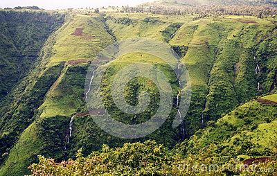 green-ethiopia-view-semien-mountain-park-51239087