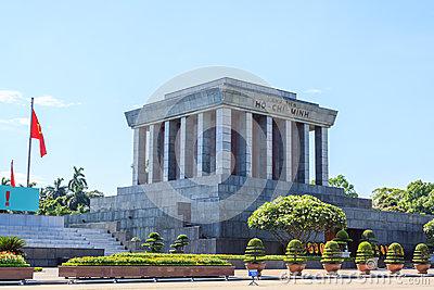 ho-chi-minh-mausoleum-hanoi-vietnam-lang-bac-54374604