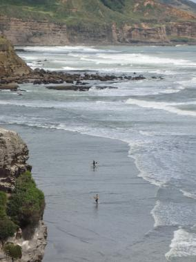 muriwai-surfers-284--