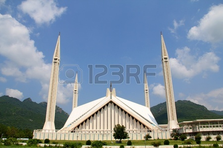 10422246-shah-faisal-mosque-islamabad