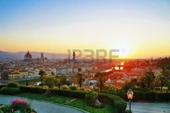 10256667-sunset-with-view-on-old-town-of-florence-italy