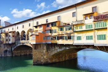 8785374-bridge-ponte-vecchio-over-arno-river-in-florence-italy