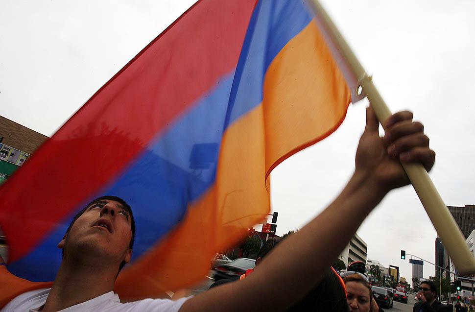Armenian genocide: Armenian flag