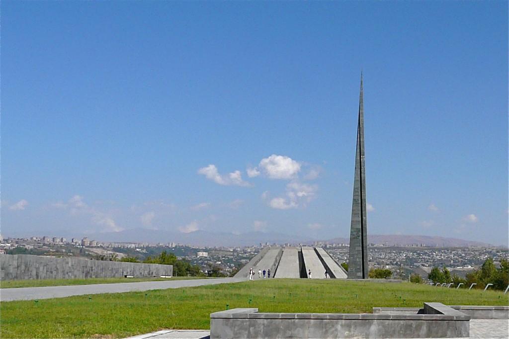Armenian_Genocide_Memorial_-_Yerevan_(2903020364)