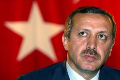 Tyrkias president Erdogan benekter folkemordet på armenerne og tvinger andre til å gjøre det samme